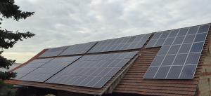 Ostseite der Solaranlage auf dem Scheunendach